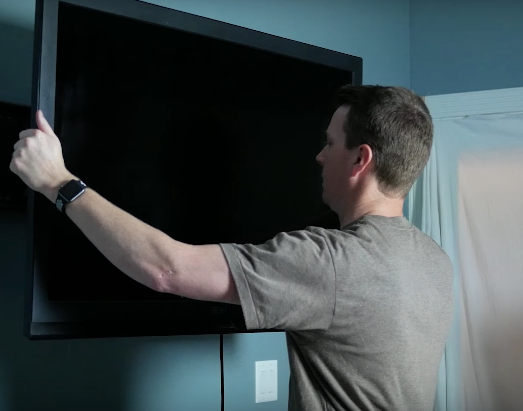 How to Mount a TV to the Wall, Step by Step